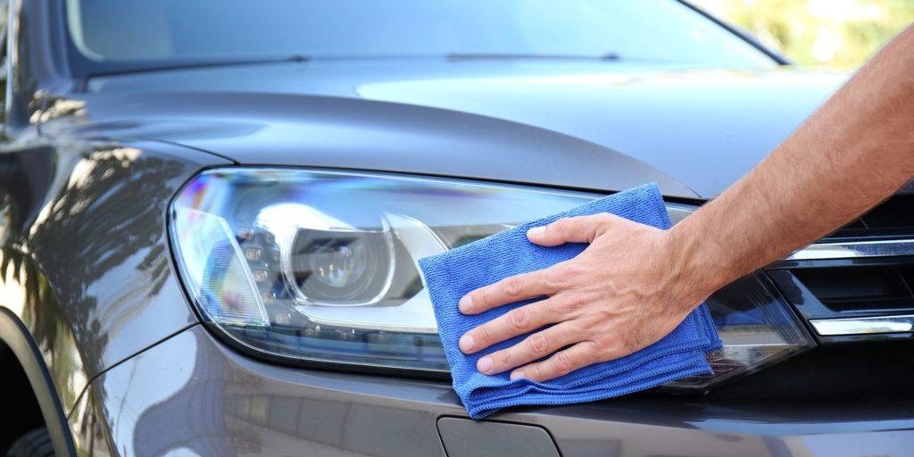 очистить автомобиль