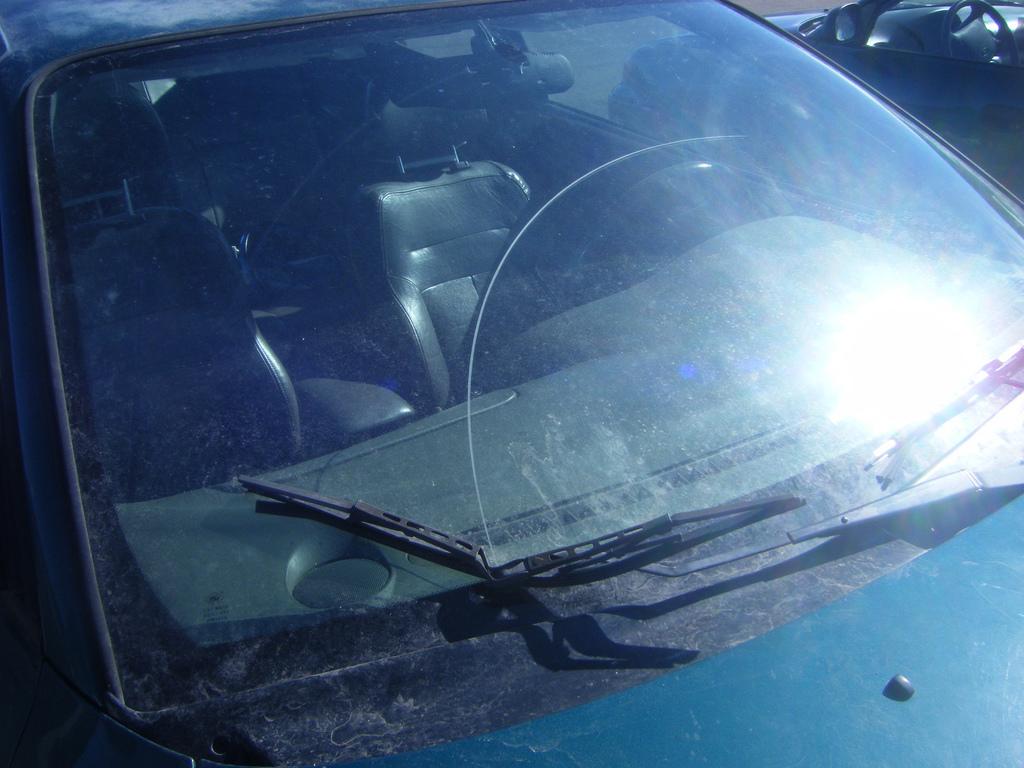 Удаление царапин с автомобильных стекол