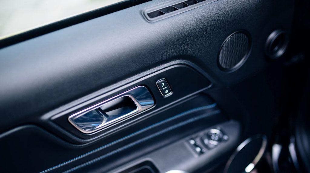 интерьер нового автомобиля